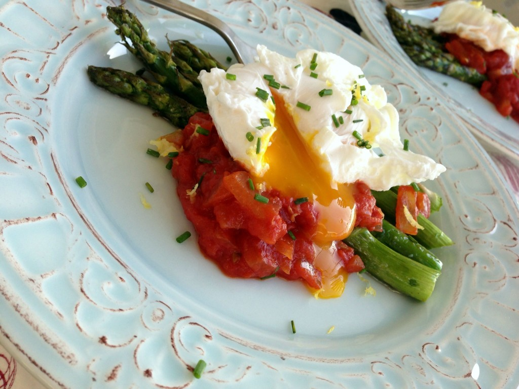 ... poached scrambled eggs spicy tomato soup with poached eggs and blue